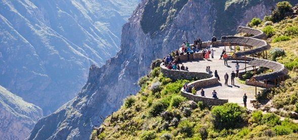 Cañón del colca-Cruz del cóndor- Viaje de Chivay a Arequipa
